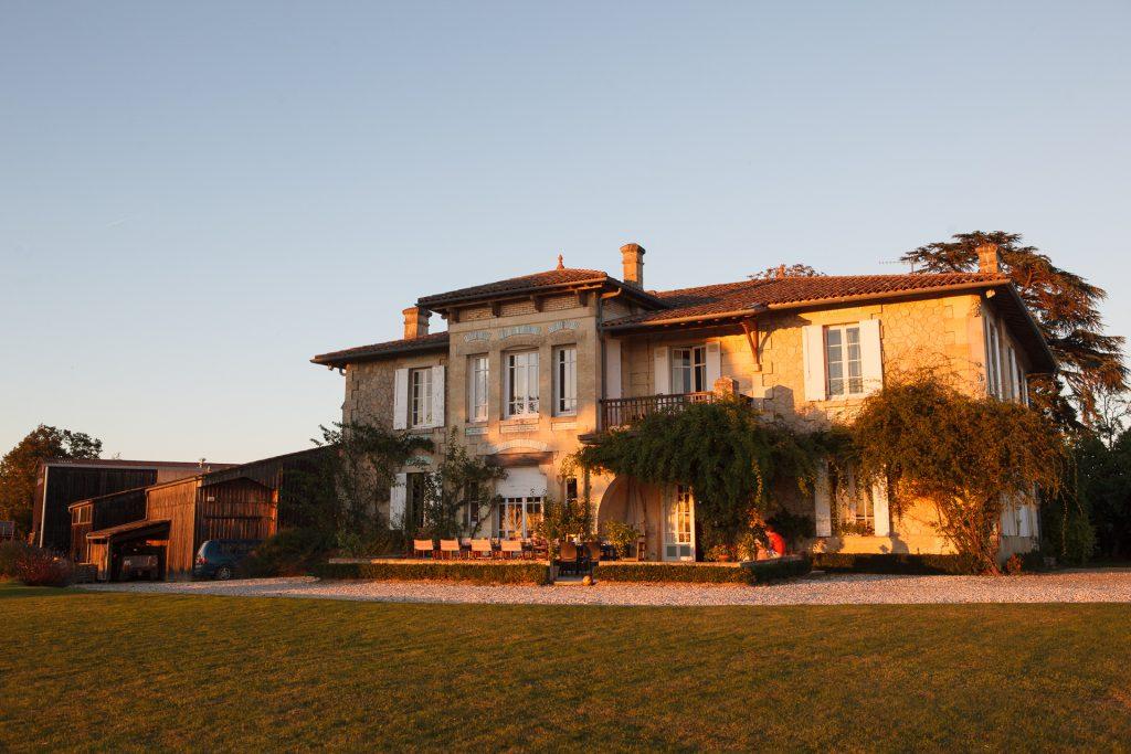 Nean ja hänen miesystävänsä Samulin kotitalo on 150 vuotta vanha.